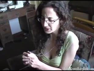 Gorda madura con su hijos pare celular video