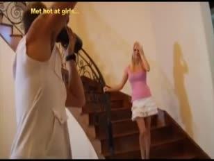 Vídeos de mujeres maduras teniendo sexo con con jovencitas de 15