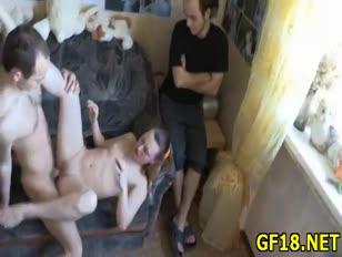 Videos porno mujeres abusan de hombre para celular