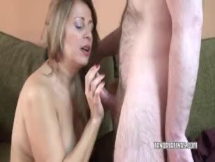 La momia latina sandie márquez se clava la vagina madura