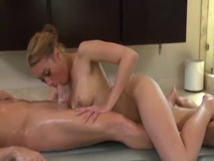 Descargar videos porno de una flakita teniendo sexo