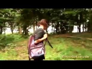 Chica universitaria francesa necesita anal profundo
