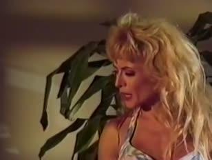 Videos d mujeres aciendo yoga desnudas